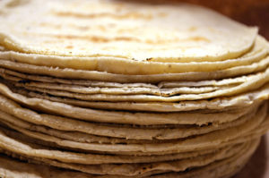 tortillas de maíz blanco
